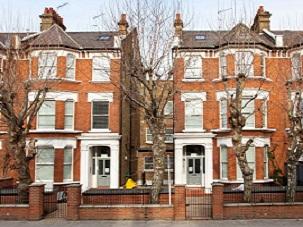 St Quintin Avenue, London W10